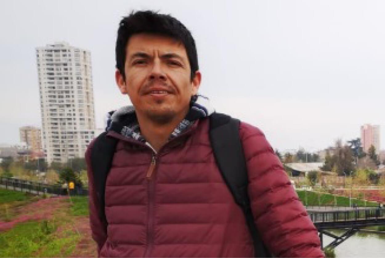Leandro Espinoza, egresado de Magíster en Psicología Social